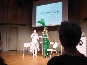 Be-wildering, Kira O'Reilly & Jennifer Willet, Waag Society, Amsterdam, 12 mai 2017 (photo Annick Bureaud)