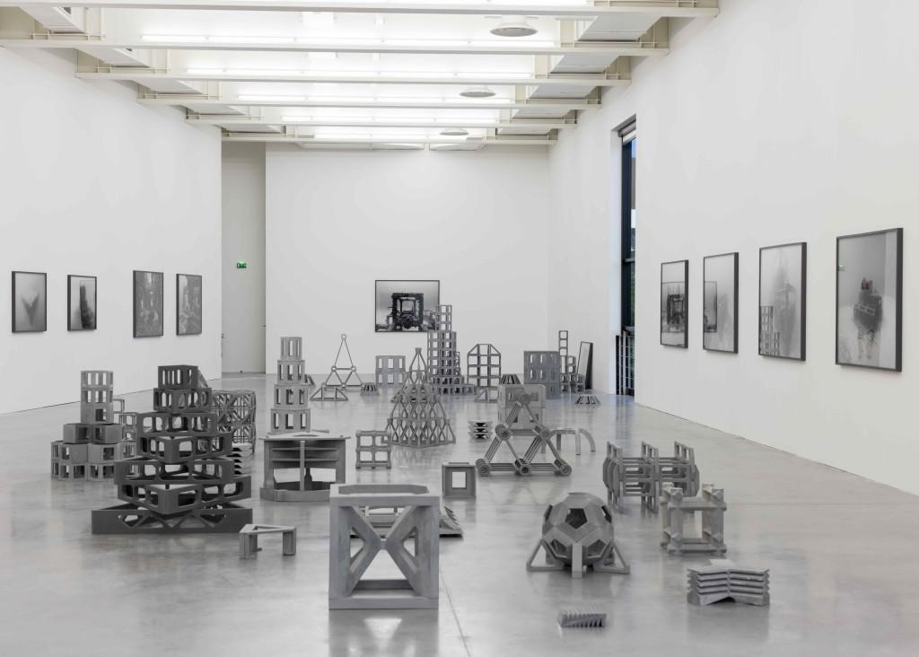 """""""Structures productives"""", Nicolas Floc'h, depuis 2012. Vue de l'exposition """"GLAZ"""", Frac Bretagne, Rennes, 2017"""
